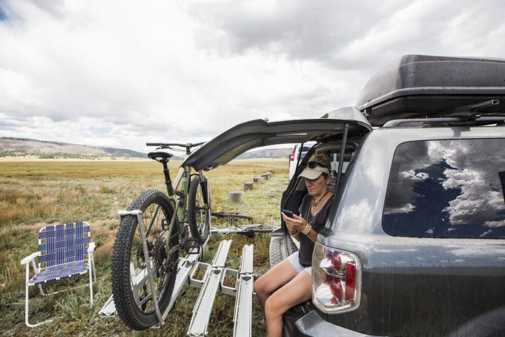 Dlaczego bagażnik na rowery na hak to dobry pomysł?