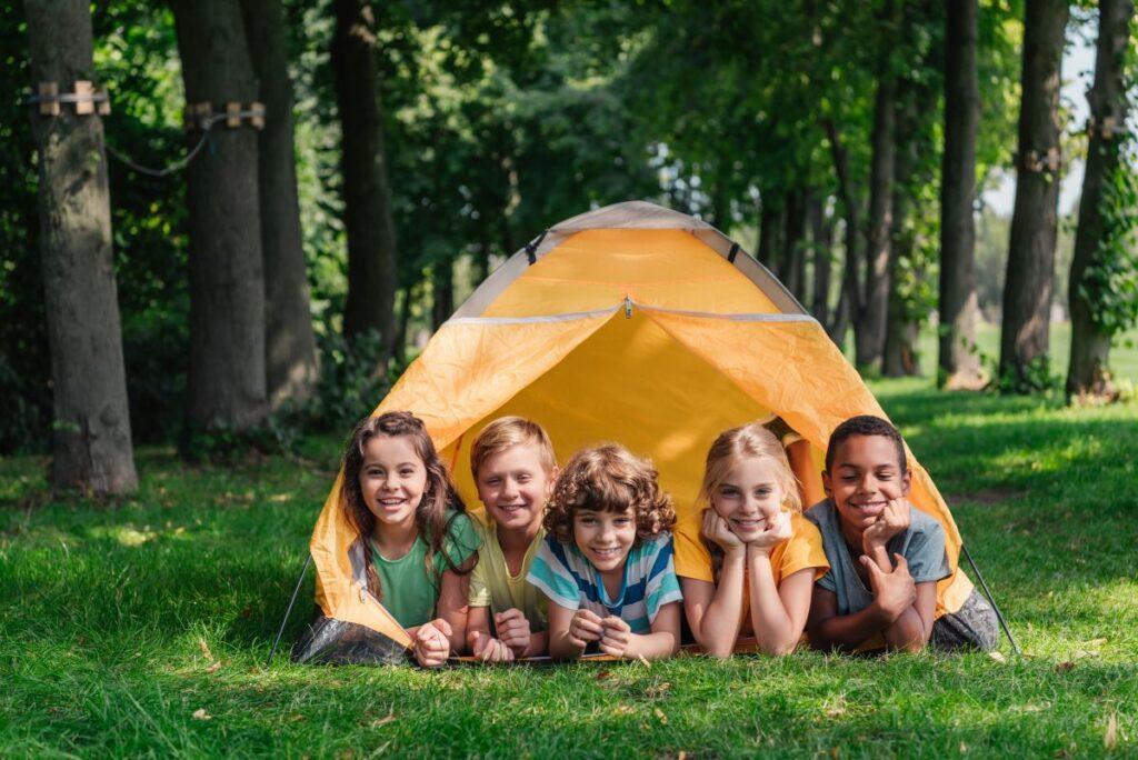 Kolonie dla dzieci na Mazurach – tematyczne obozy i różnorodne formy rekreacji