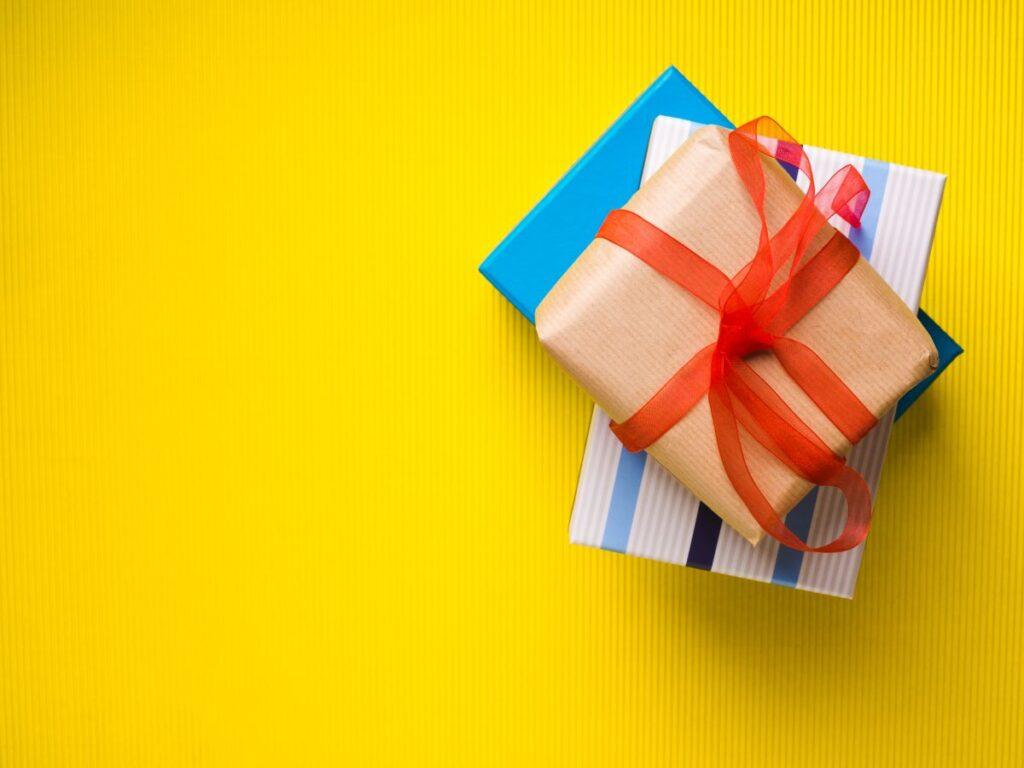 Sklep z prezentami – gdzie szukać inspiracji upominkowych