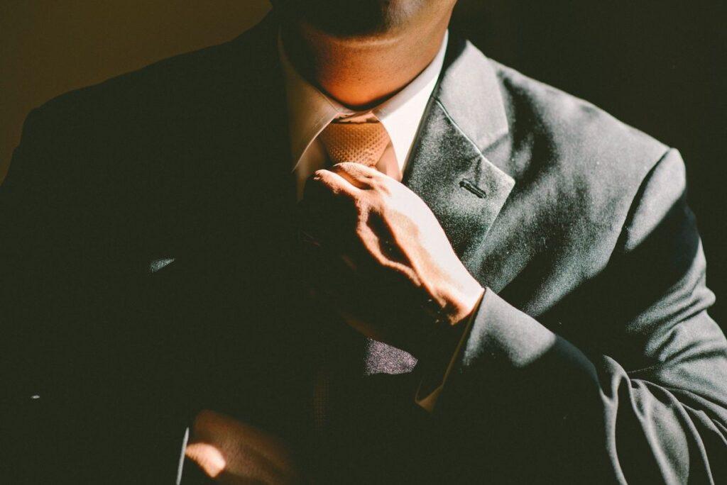Czy zakup krawatów w sklepach internetowych to dobry pomysł?