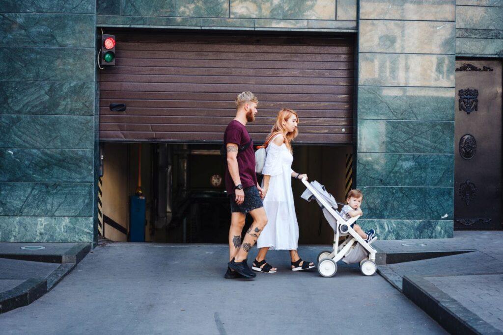 Wózki spacerowe dla dzieci – sportowe i klasyczne wersje
