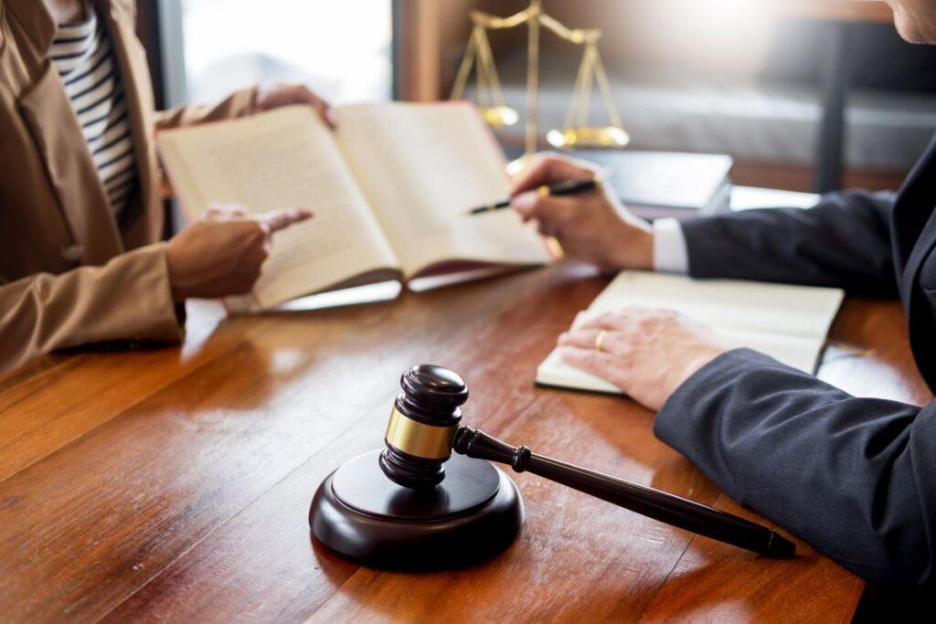 Czym jest pomoc prawna?