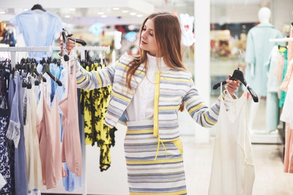 Sklep odzieżowy – funkcjonalność i porządek