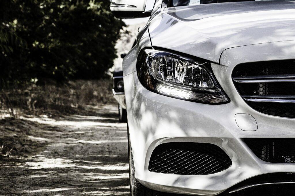 Wypożyczanie samochodów – dla kogo takie rozwiązanie może okazać się przydatne?